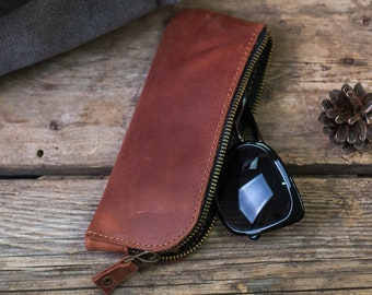 c9c7833a68e9 Leather glasses case