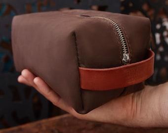 e6d8460787fb Leather toiletry bag men