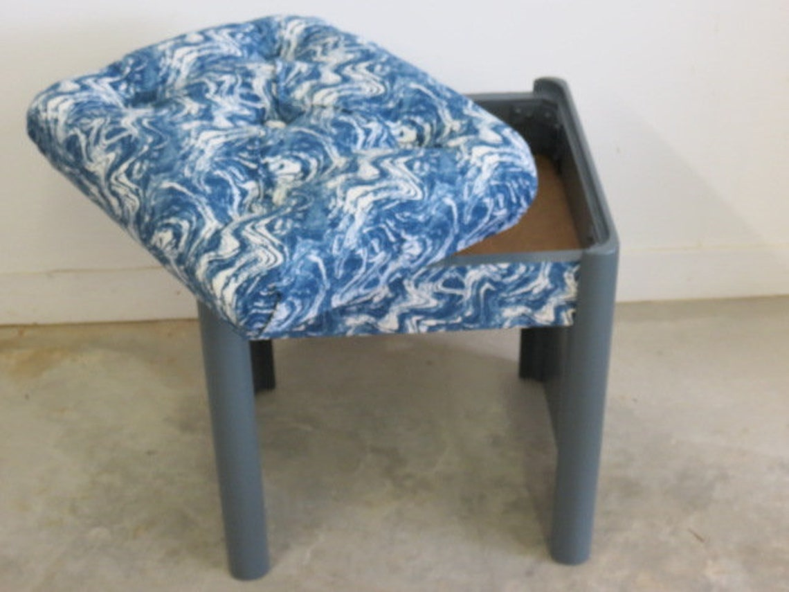 Tufted Ottoman, Tufted Foot Stool, Side Table, Bench, Additional Seating, Seating with storage