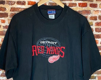 Vintage 90's Detroit Red Wings All Embroidered Men's XL Graphic Tee Shirt