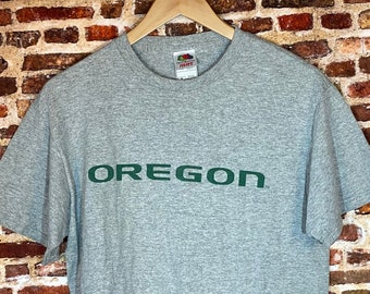 Vintage Oregon Ducks Men's Medium Classic Spell Out Tee Shirt