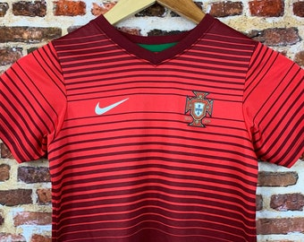 Portugal National Soccer Team Youth Medium (5-6) Jersey Rare made by Nike