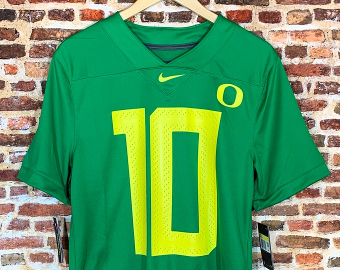 Featured listing image: Justin Herbert OREGON DUCKS Men's Small #10 Football Jersey RARE made by Nike