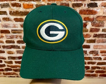 Vintage 90's GREEN BAY PACKERS Classic Plain Logo Snapback Hat made by American Needle
