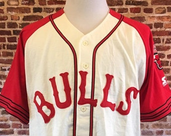 02f79088358 Vintage 90's CHICAGO BULLS Men's XL Baseball Style Jersey made by Starter