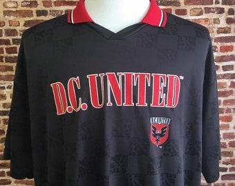 59a5fcbf290 Vintage 90 s DC UNITED Men s XL Soccer Jersey made by Majestic