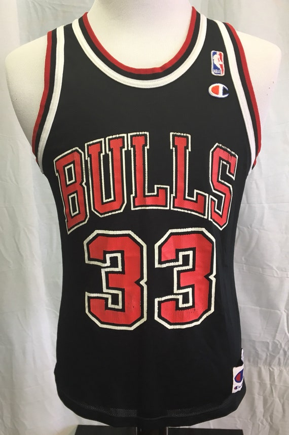 aa92f7f3945 Vintage 90's SCOTTIE PIPPEN Chicago Bulls Champion Jersey | Etsy