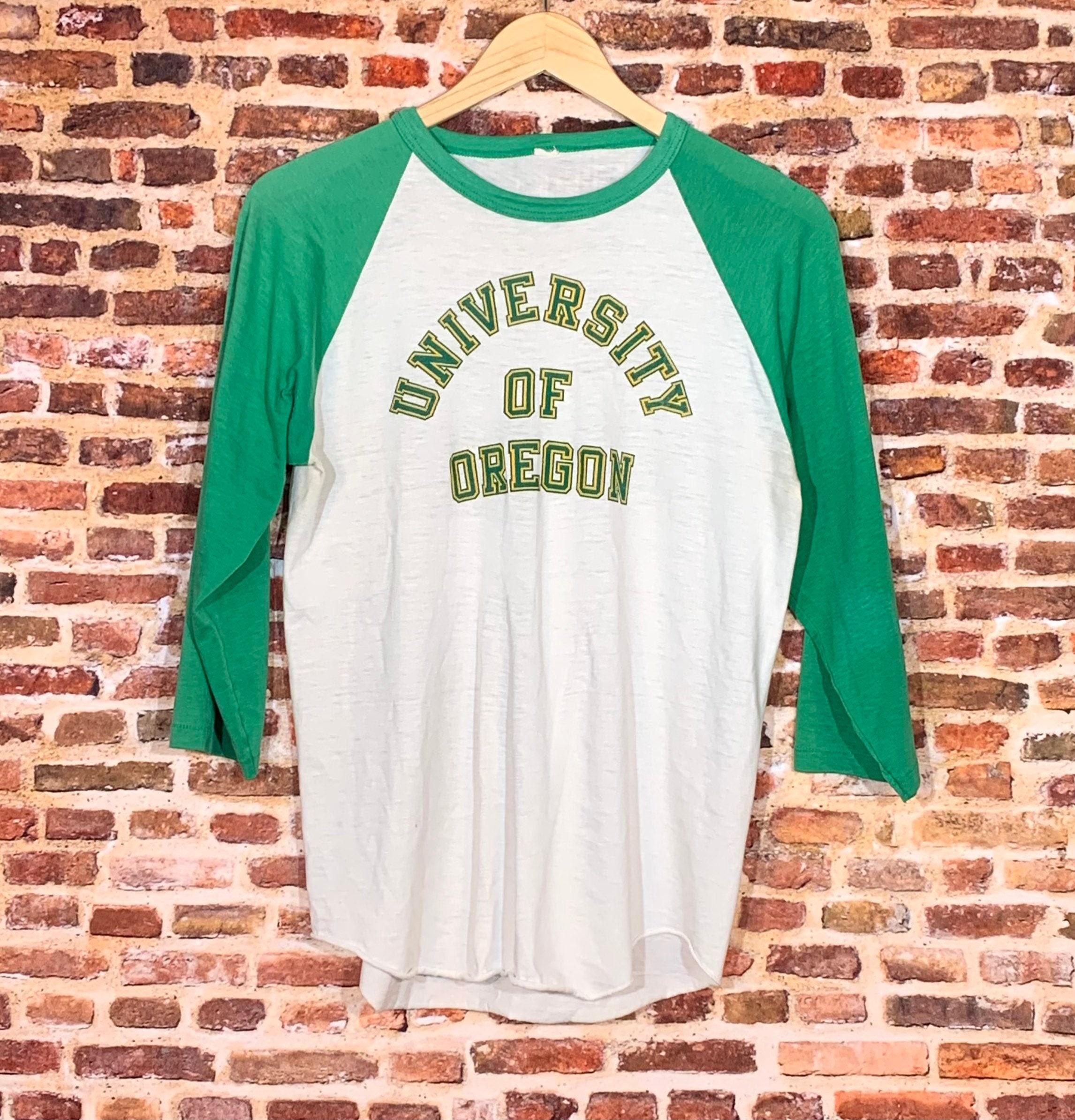1970s Mens Shirt Styles – Vintage 70s Shirts for Guys Vintage 70s Oregon Ducks Mens Medium Tee Shirt Rare $17.00 AT vintagedancer.com