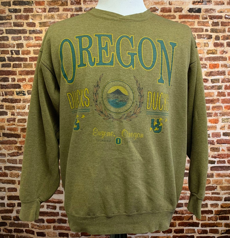 Vintage 90/'s OREGON DUCKS Men\u2019s Large Crewneck Sweatshirt RARE