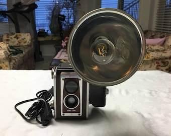 Antique camera table lamp