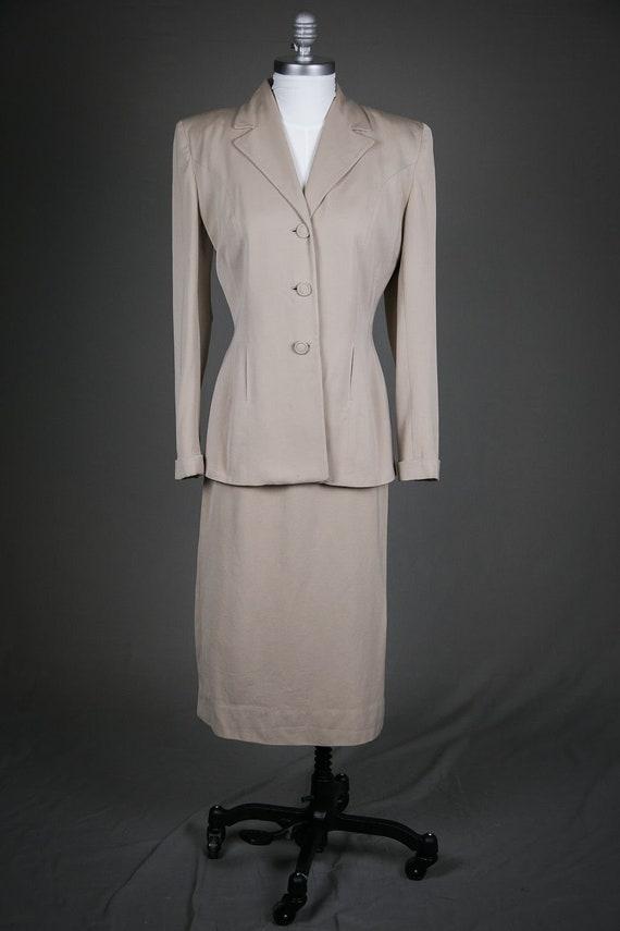 Vintage 1940s Ladies Beige Wool Skirt Suit