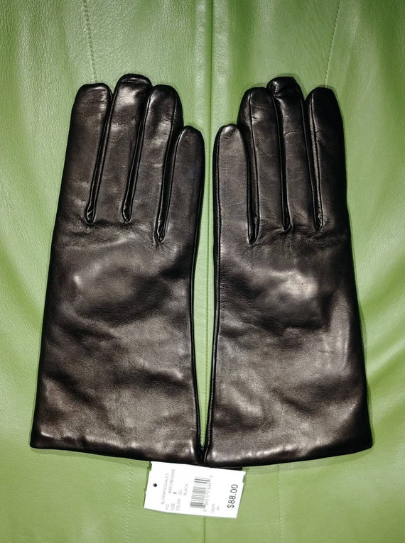 Bloomingdale's Black Leather Gloves ~ Size 8