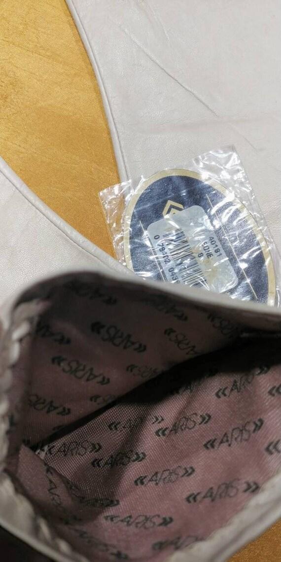 Aris Bone White Leather Gloves ~ Size 8 - image 9