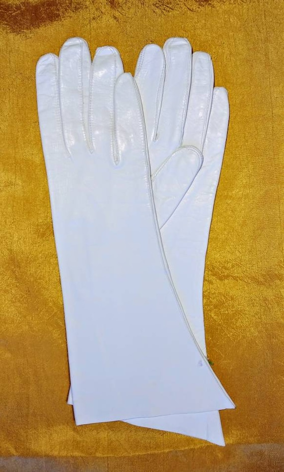 White Kid Gloves ~ Size 8