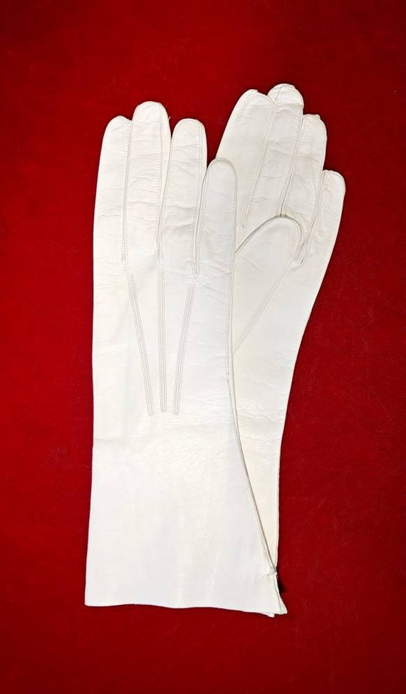 Vintage 1950s Creme Kid Gloves ~ Size 8 1/2