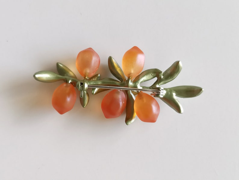 Lovely Orange with Leaf Brooch Pin Fashion Jewellery