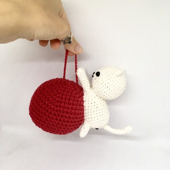 Ravelry: Big Ball Cat Toy pattern by Melissa's Crochet Patterns | 570x570
