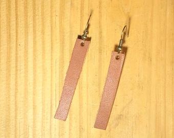 Hypoallergenic leather strip earrings