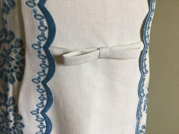 e8f0339e715 Vintage 60s eyelet scalloped blue and white linen A-line dress