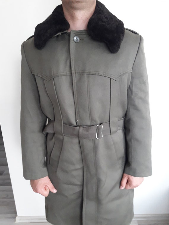 Vintage military greatcoat- Bulgarian Officer lon… - image 7