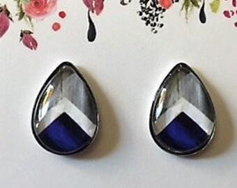 Blue/White Chevron 10x14mm Teardrop Stud Earrings