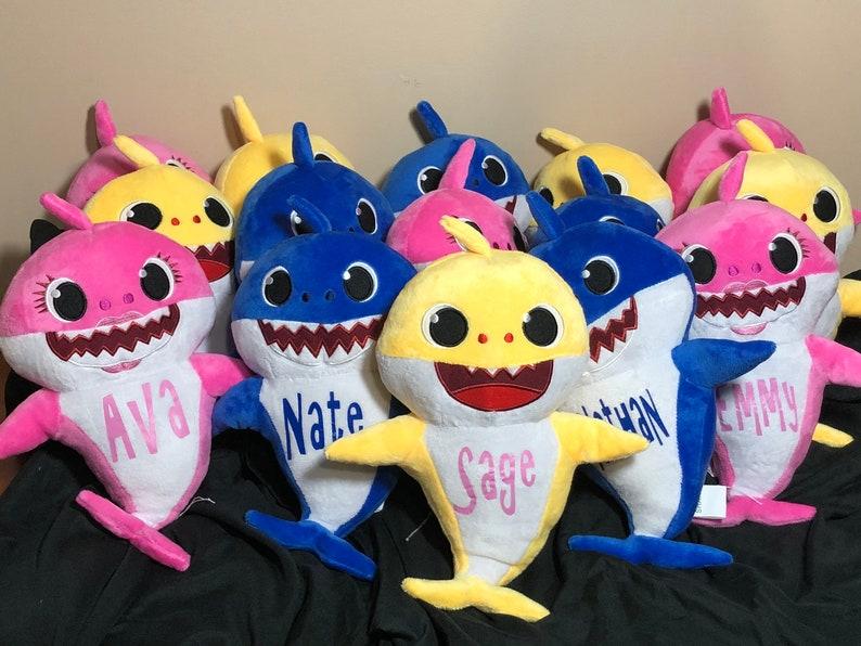 Personalized Singing Baby Shark image 0