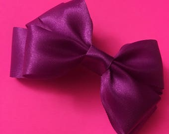 "Double layered bow in ""Royalty"""
