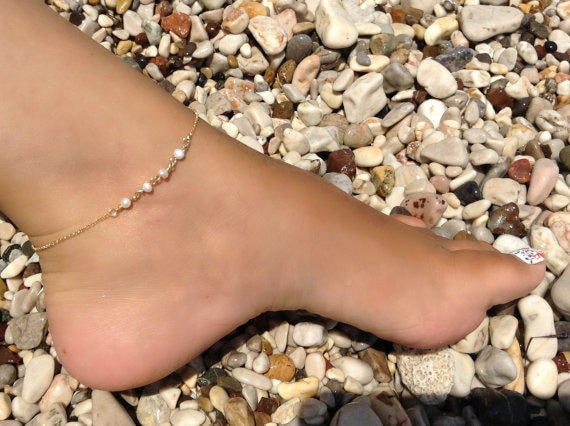 Freshwater pearl anklet, gold anklet, 14k gold filled, pearl rosary anklet, beach jewelry, dainty foot bracelet, bridal shower