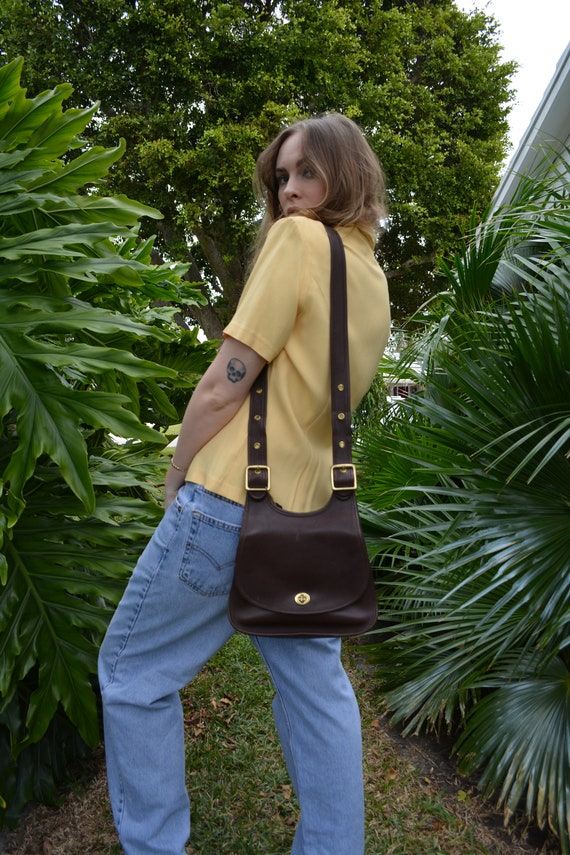 vintage coach bag / coah saddle bag / brown leathe