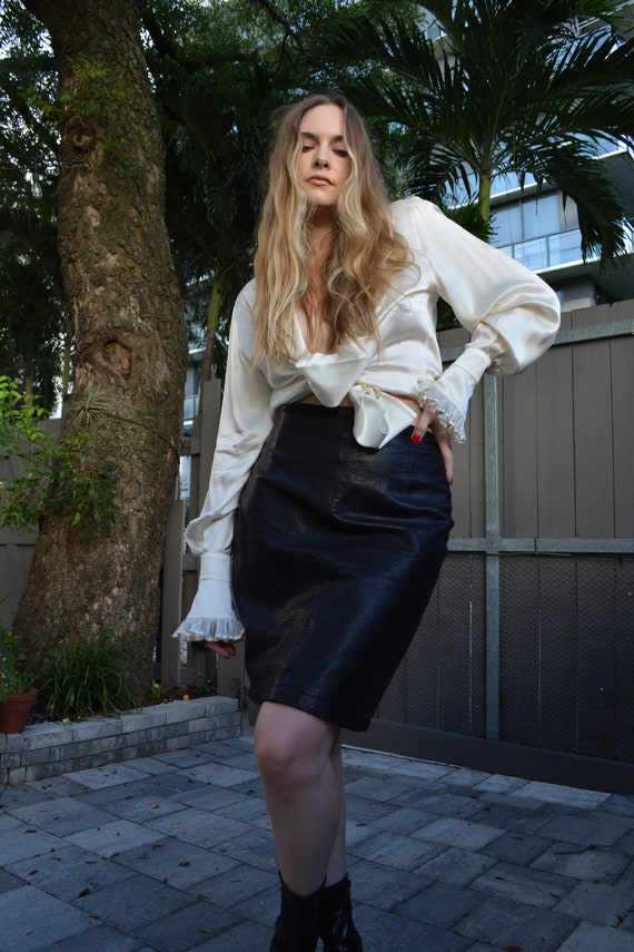 vintage black skirt / black leather skirt / vintag