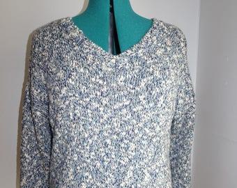 Liz Claiborne blue/beige sweater top