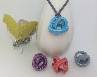 Pendants Ball of ceramic