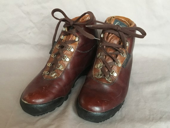 fda39b38aef Vasque - Brown Leather Womens Skywalker Hiking Boots - Size 8 - Made in  Italy