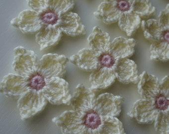 Handmade Crochet Flowers Appliques 4.5 cm. Set of 12 pcs.