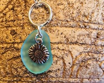 Daisy sea glass pendant