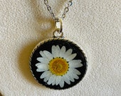 Real daisy silver necklac...