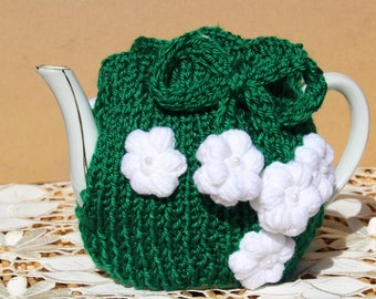 Green tea cozy with white flowers (0013)