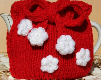 Red tea cozy with white flowers (0004)