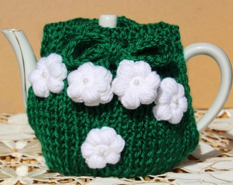 Green tea cozy with white flowers (0017)