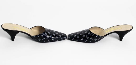 1990s Chanel Black and White Leather Logo Mules H… - image 2