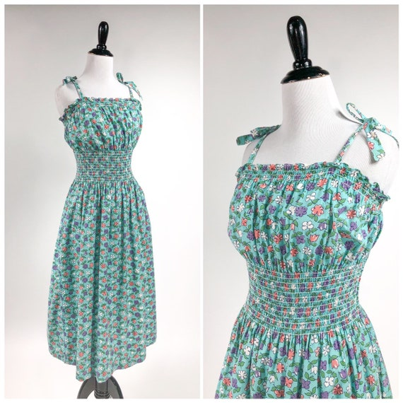 Sweet! Vintage 1940s Smocked Floral Strappy Sun Dr