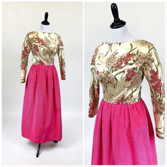 Rare! Vintage 1960s Designer Sarmi Embroidered Sat