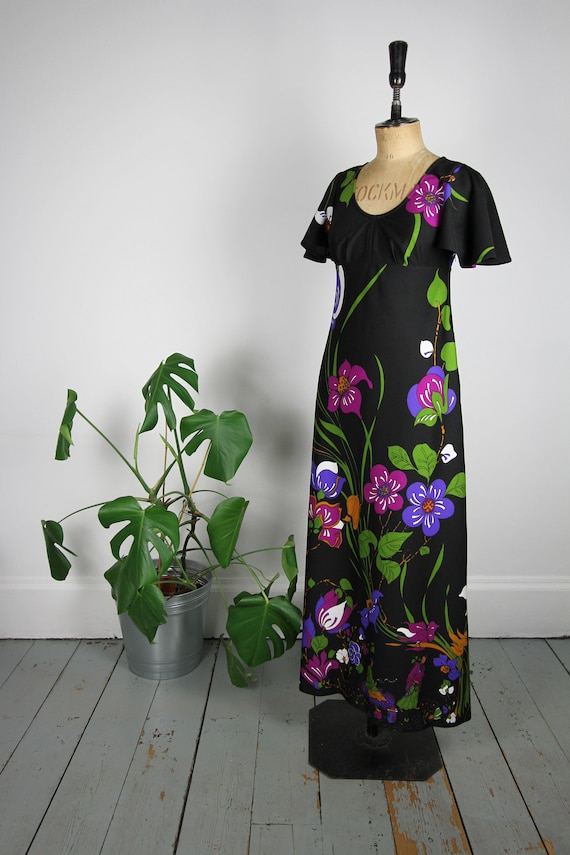 Vintage 70s maxi dress in bold print