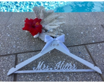 Custom Bride Hanger, Wedding Dress Hanger,  Bridal Hanger, Acrylic Hanger, Personalized Name Hanger, Mrs. Dress Hanger, Wedding Hanger