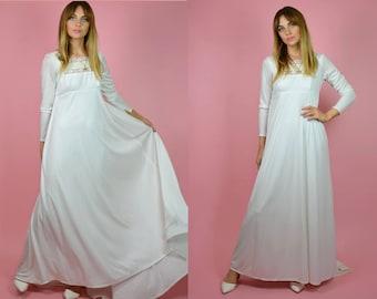 Vintage 1970s White Flowing Empire Line Bohemian Maternity WEDDING Dress w Full Length Sleeves