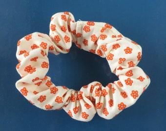 Skinny Scrunchie: Orange Flowers