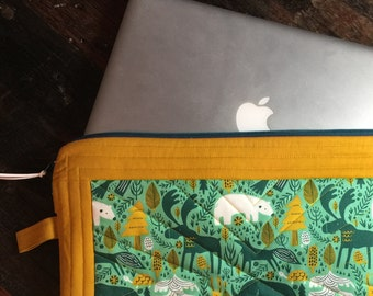 Quilted Laptop Sleeve or Tablet Sleeve with Zipper. Custom made to fit your laptop and your style. Laptop Pouch. Tablet Pouch.