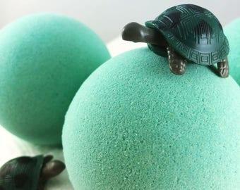 Turtle Beach Bath Bomb - Toy Bath Bomb, Toy Bath Fizzie, Kids Bath Bomb, Candy Bath Bomb, Bath Bomb for Kids, Sugary Sweet Sea Creature