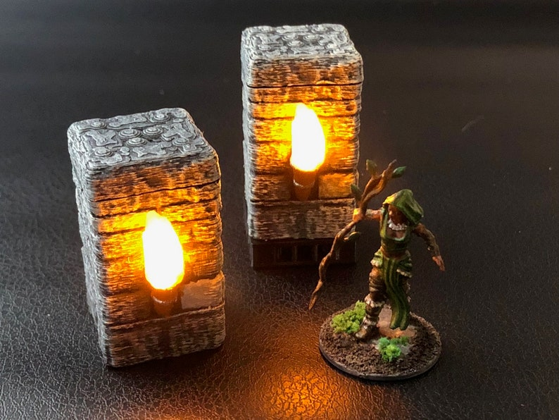 Flickering Torch Pillar for Dungeons and Dragons D&D image 0