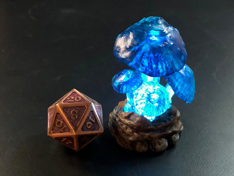 Glowing giant mushroom miniatures for Dungeons and Dragons D&D image 0